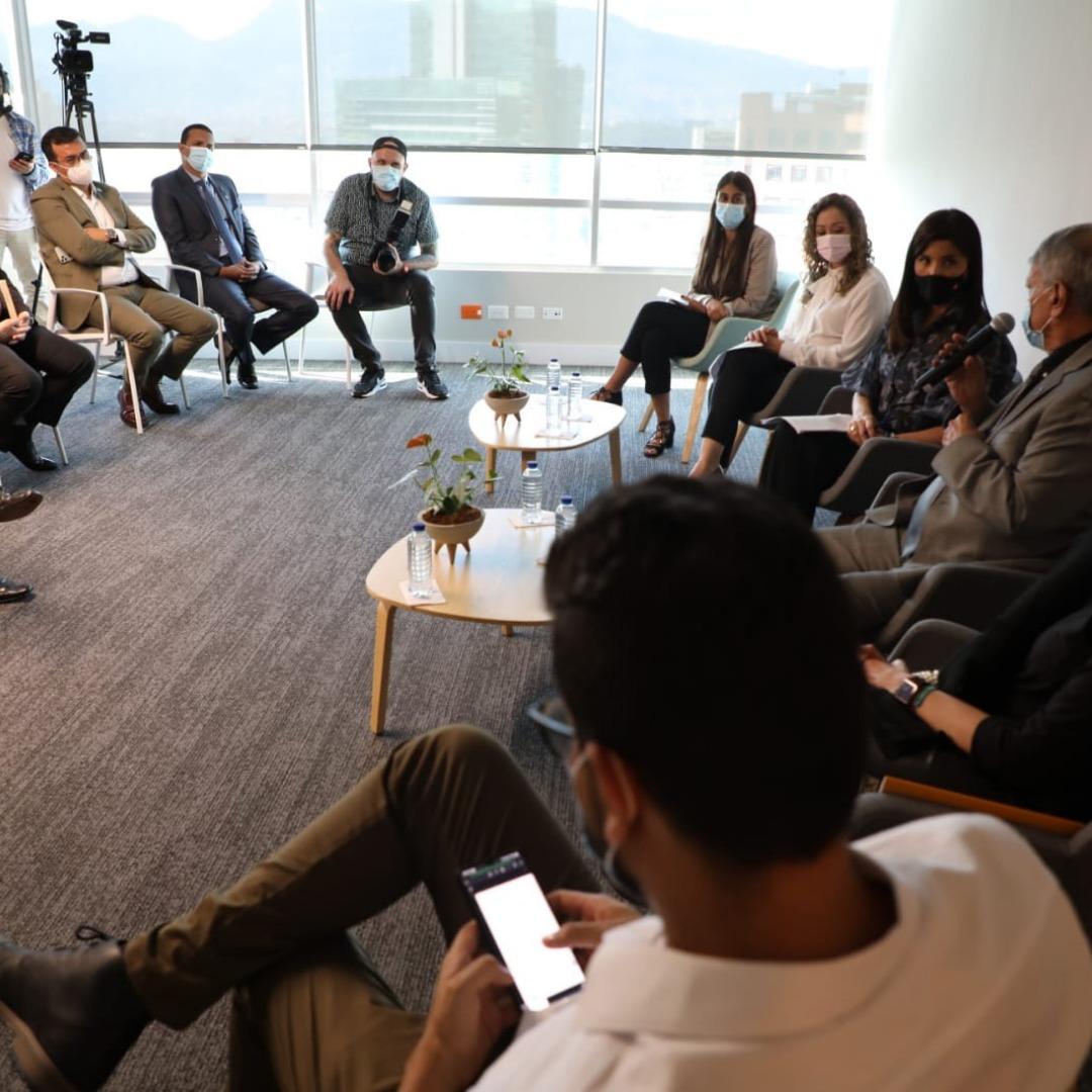 Jóvenes a la U una alianza por la educación superior en Antioquia